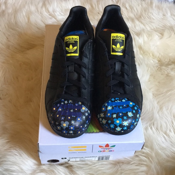 on sale 342c9 7af23 Adidas X Pharrell Williams Supershell shoes